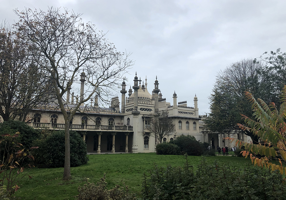 visit the royal pavillion on a day out in Brighton